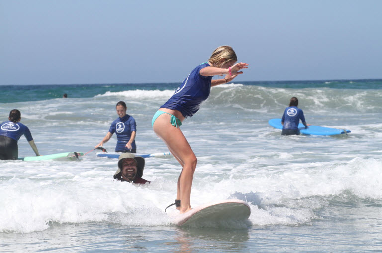 beginner surfer girl