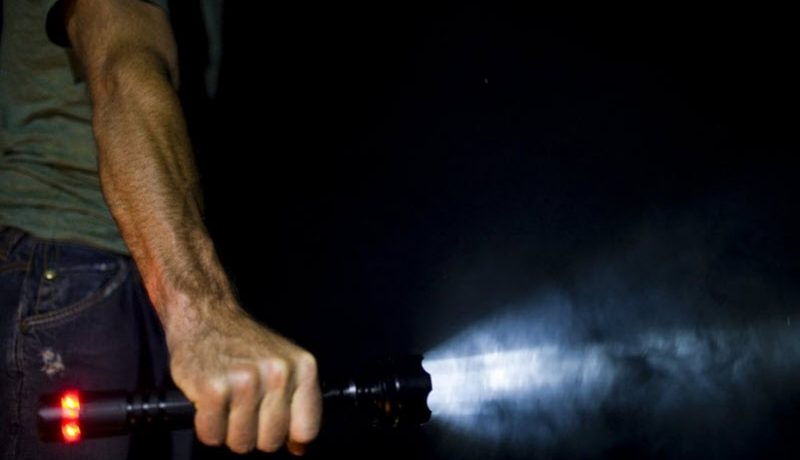 What is the point of a strobe flashlight?
