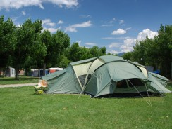 How to Choose a 6 person waterproof tent?